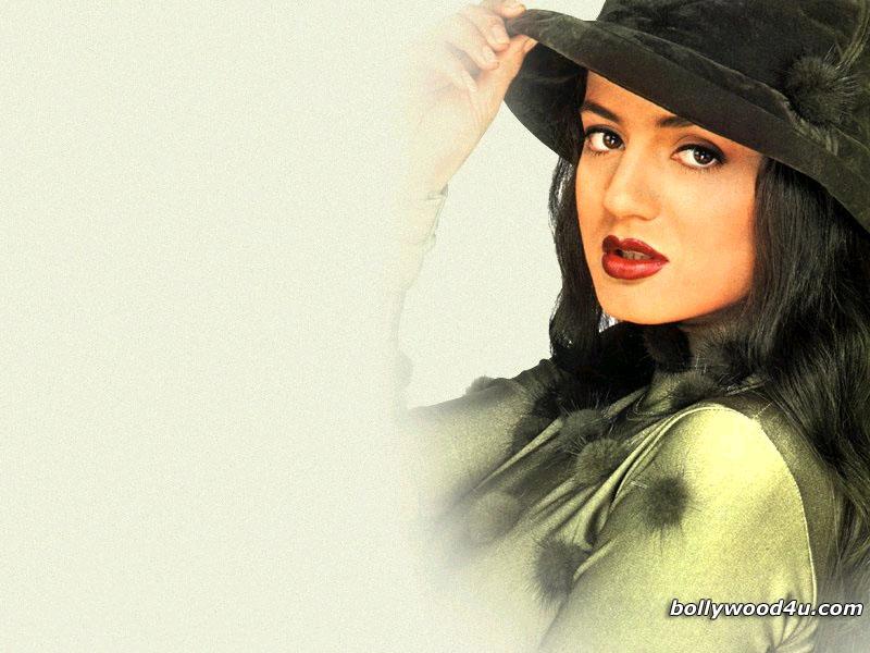Amisha Patel - amisha_patel_001.jpg