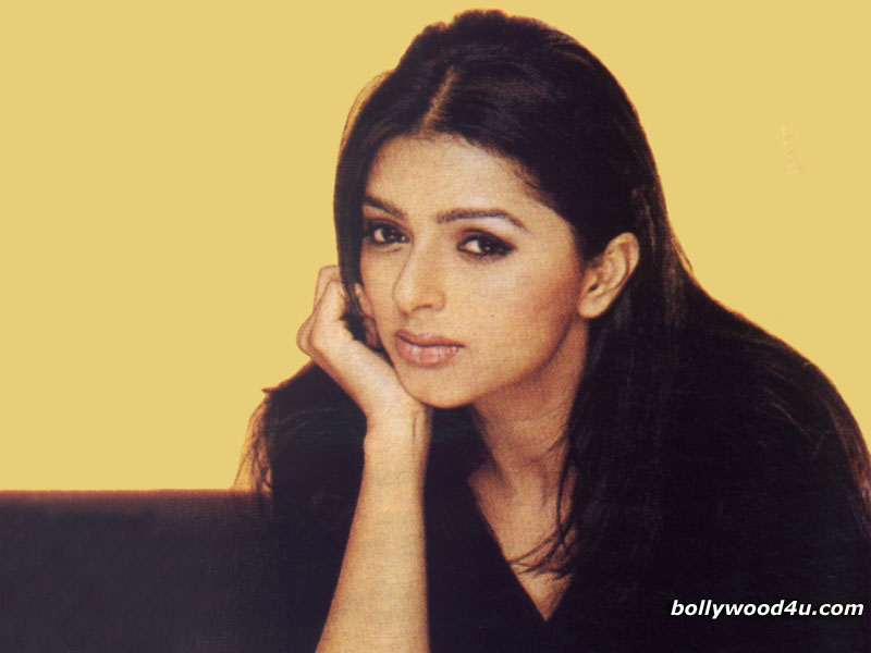 Bhumika Chawla - bhumika_chawla_004.jpg