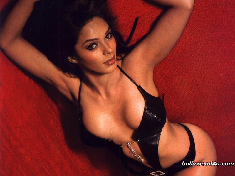 Mallika Sherawat Biography Photos Videos movie review wall
